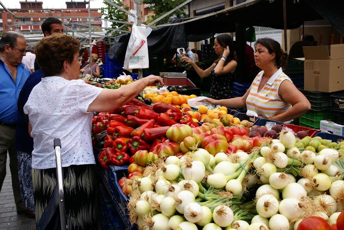 http://www.flickr.com/photos/nuriaijoancarles/